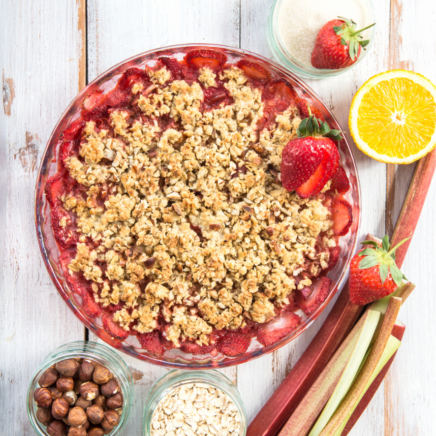 Crumbly crisp filled with strawberries and rhubarb